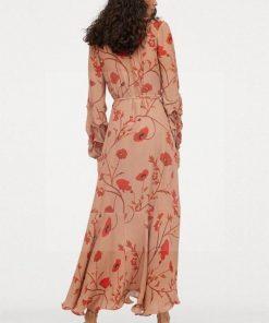 Hippie chic langes geblümtes Kleid